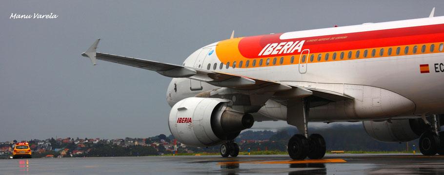 Siga mis indicaciones ! IBE Airbus A319 entrando en plataforma, via Sierra.