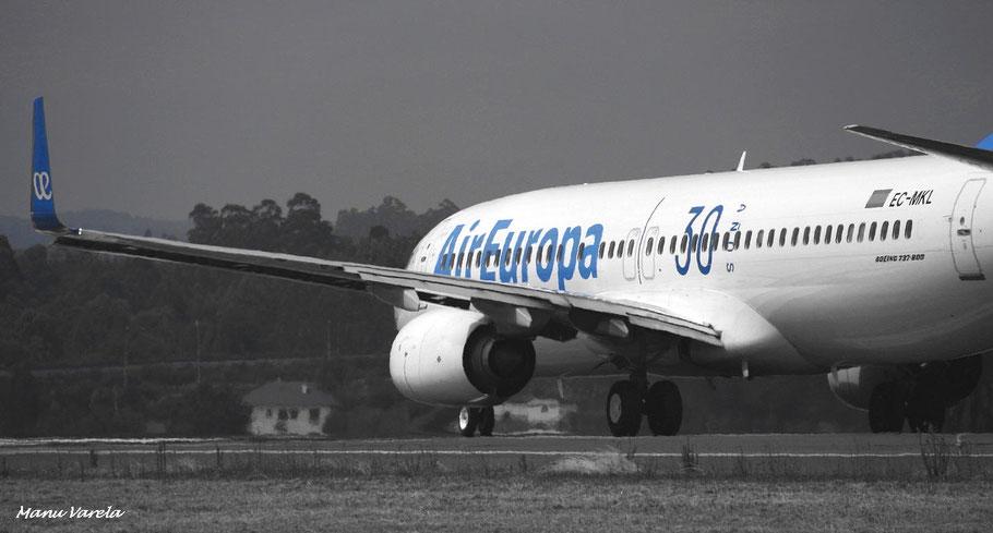 """Boeing 737/800 UX """"30 años"""""""