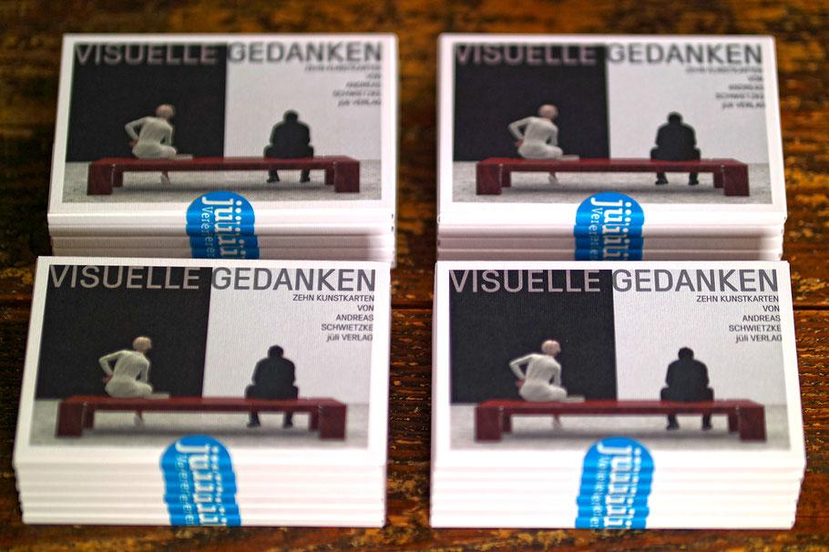 Zehn Kunstkarten mit digitalen Motiven von Andreas Schwietzke. Das Kartenset ist auf hochwertigem Feinkarton gedruckt und in einer attraktiven Mappe gefasst. DIN A6, 300g Feinkarton Fedrigoni Marcate Acquarello bianco.