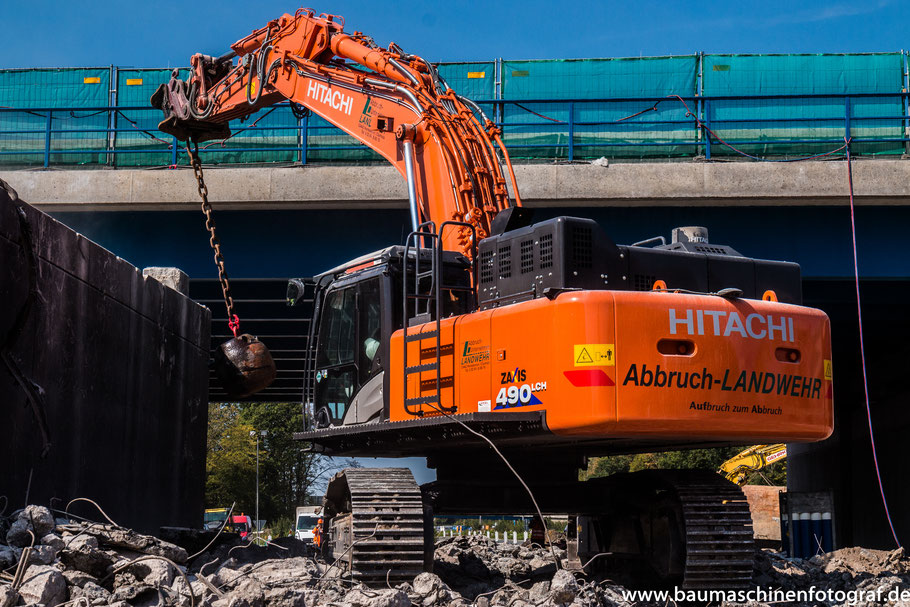 Brückenabbruch im Kreuz Recklinghausen durch das Abbruchunternehmen Landwehr