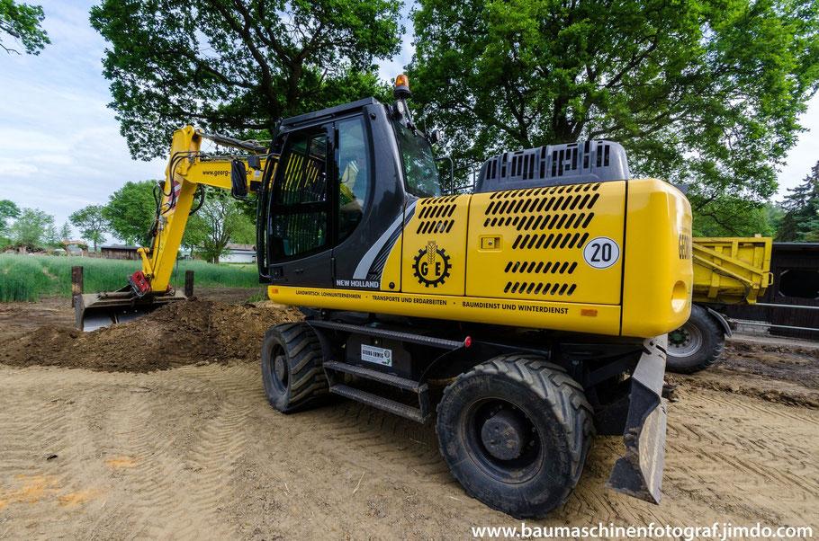 NEW HOLLAND WE 170 B Pro des Lohnunternehmen Georg Erwig bei Erdarbeiten