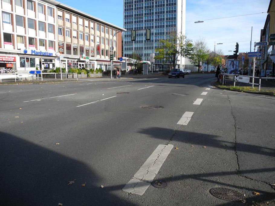 Der Kreuzungsbereich Römerstraße - hier endet der erste Bauabschnitt und beginnt der zweite (26.10.2012)