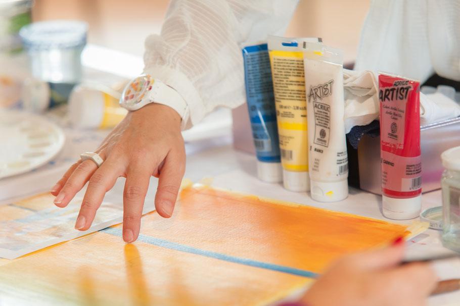 Corso di composizione del colore. Cerchio cromatico di Itten. Come fare i colori. studiare la composizione del colore. Pittura acrilica. Corso on-line