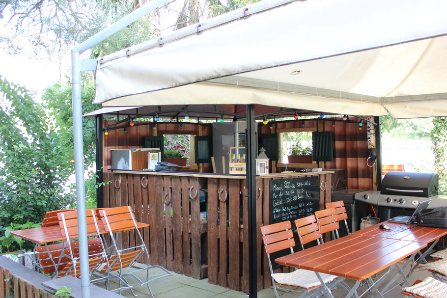 Restaurant Binningen Basel Ryterstuebli Ryterstübli aussenbereich hausgemacht