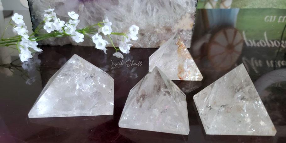 piramides, piramide de cuarzo blanco, piramide de cuarzo, cuarzo blanco,piramide, sanacion, herramientas energeticas, herramientas de sanacion