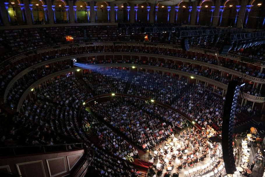 Die ausverkaufte Royal Albert Hall (Foto: Maria Giacchino)