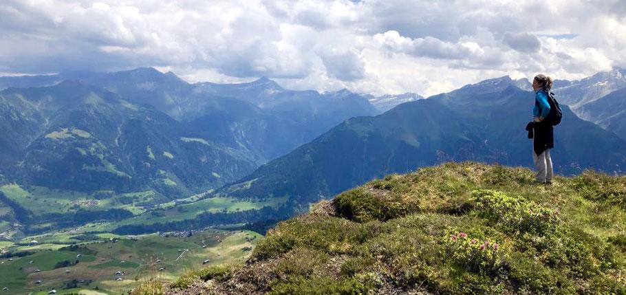 Juli 20, Aussicht Val Lumnezia (GR) -> Behalte die Übersicht!