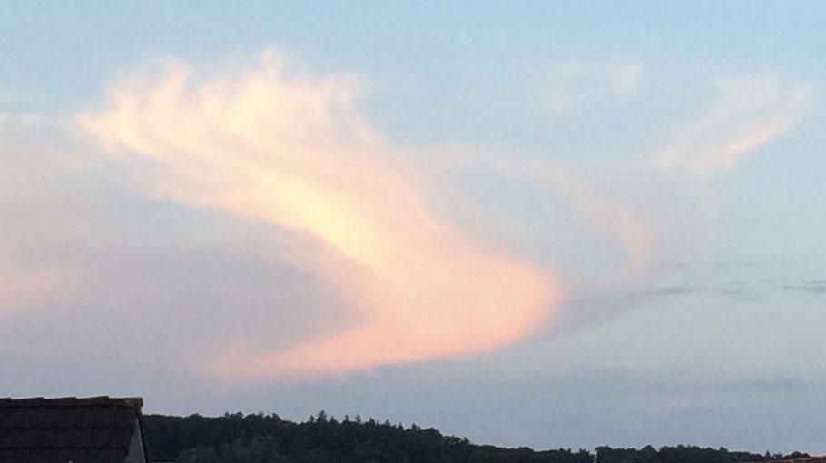 Abendhimmel oberhalb Eschenmosen, Juli 18
