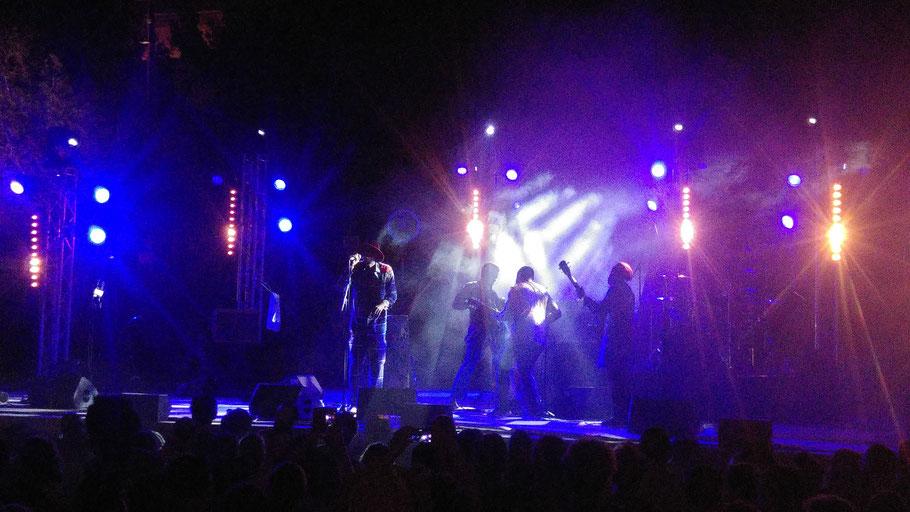 Groupe : Jupiter & Okwess. Musiciens à l'image: Jupiter Bokondji Ilola (leader, chant et percussions). Le samedi 23 06 2018, 14 ème édition du Festival Africa Fête (Marseille).  (Photo) Jc Colletto.