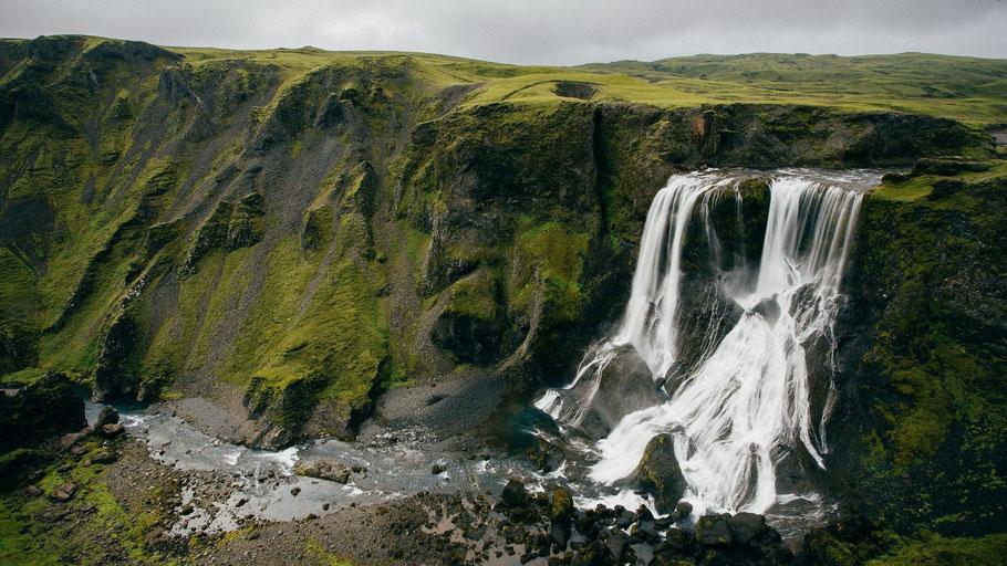 Wasserfall. Bild von Pexels auf Pixabay.