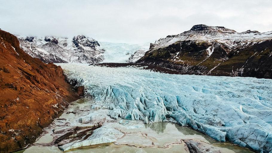 Gletscherzunge im isländischen Nationalpark Skaftafell. Bild von Robert Bye auf Unsplash.