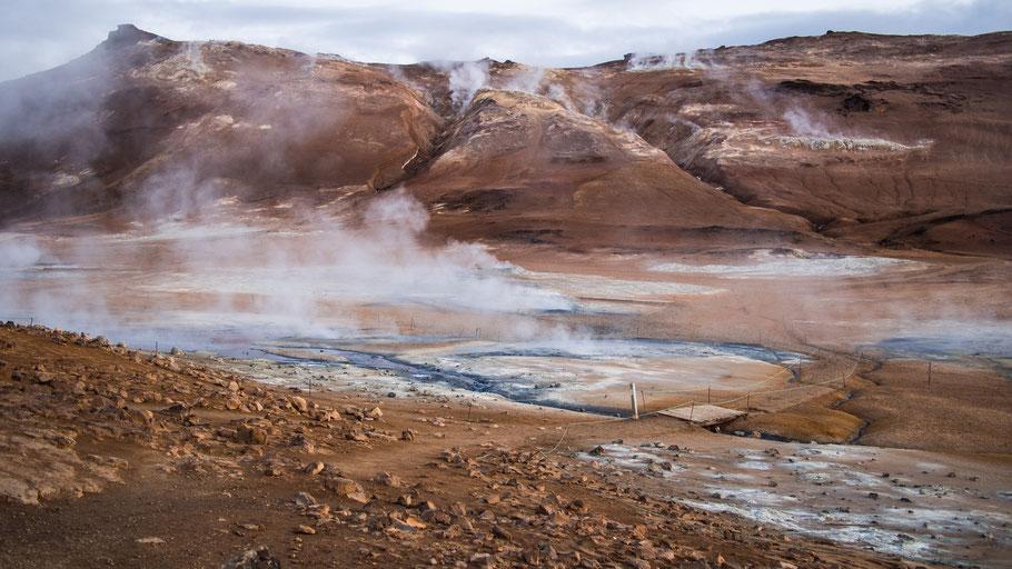 Lavafeld auf Island. Bild von Ph B auf Unsplash.