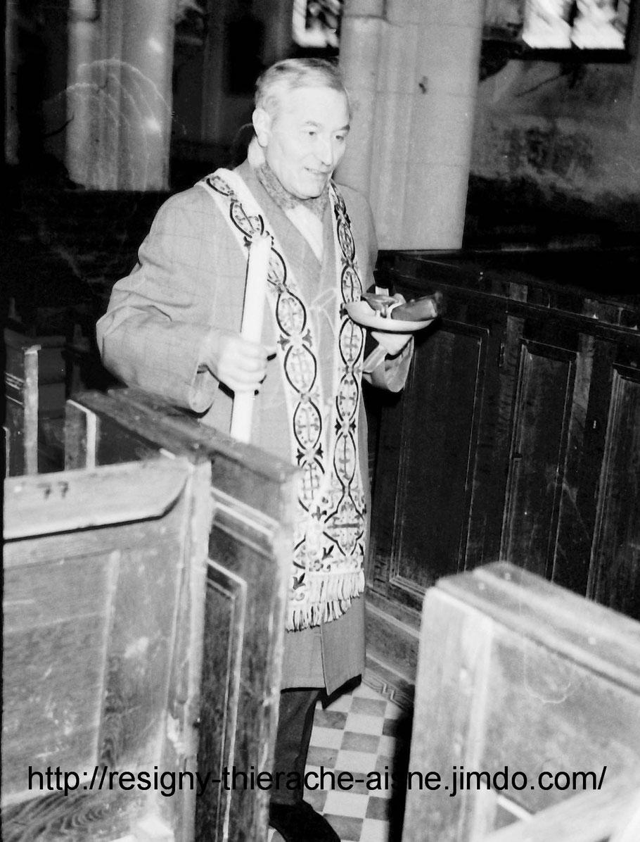 l'abbé Jubelin pour un baptème