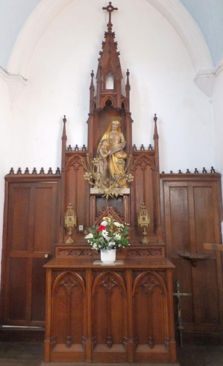 Le petit autel de Marie à l'enfant Jésus