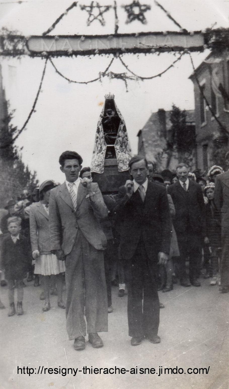 procession de la Vierge de Notre Dame de Liesse en 1946