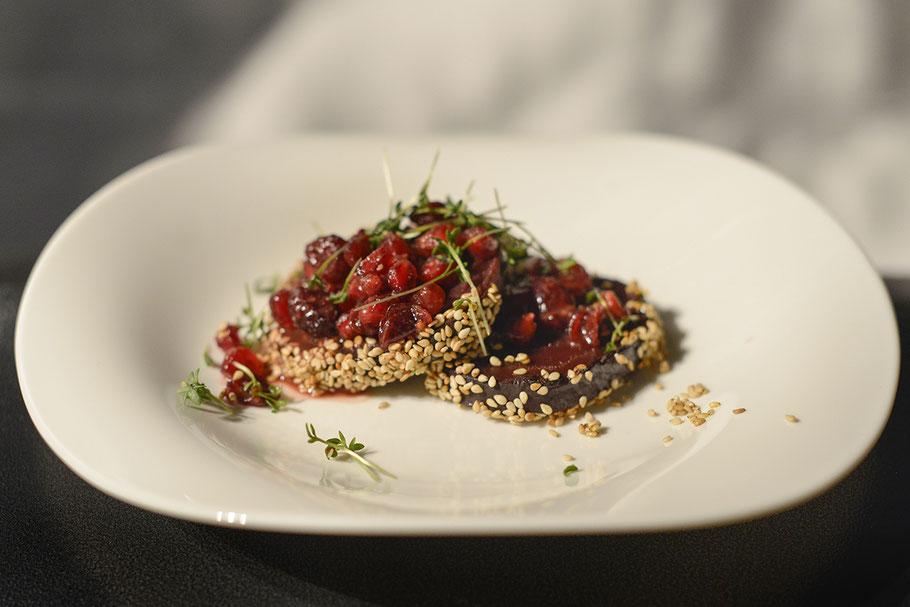 ROTE BETE mit Granberries und Granatapfelkerne