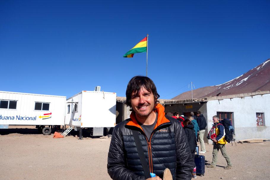 Paso fronterizo Hito Cajón en Bolivia.