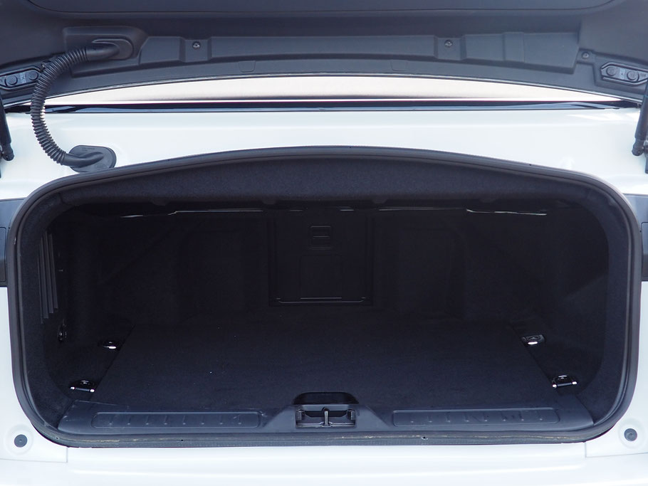 essai range rover evoque convertible sur la passion de l 39 automobile. Black Bedroom Furniture Sets. Home Design Ideas