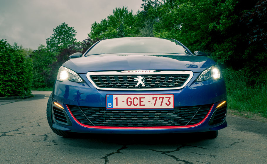 peugeot 308gti la griffe sportive la passion de l 39 automobile. Black Bedroom Furniture Sets. Home Design Ideas