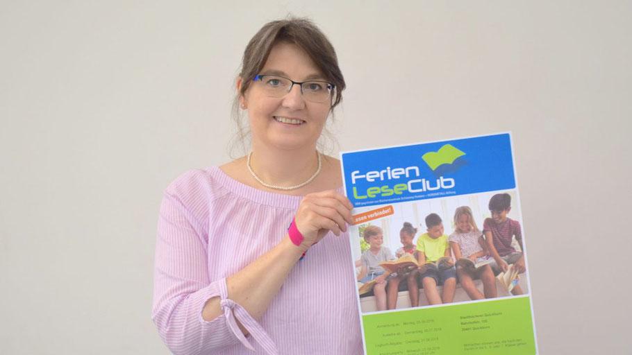 Stadtbücherei-Mitarbeiterin Kerstin Kranz stellte den Ferienleseclub vor