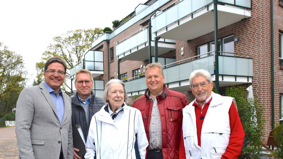 Freuten sich über die Übergabe: Bürgermeister Thomas Köppl, Axel Schaffarzyk, Gertrud Petersen, Stefan Schaffarzyk und Joachim Schaffarzyk (v.l.)