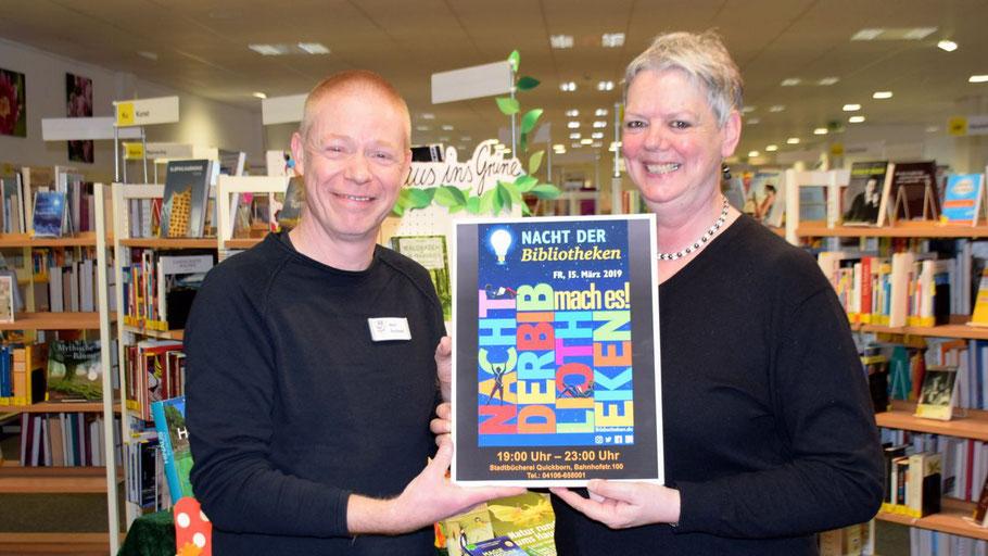 Klaus Fechner und Monika Pütz freuen sich auf viele Besucher bei der Nacht der Bibliotheken