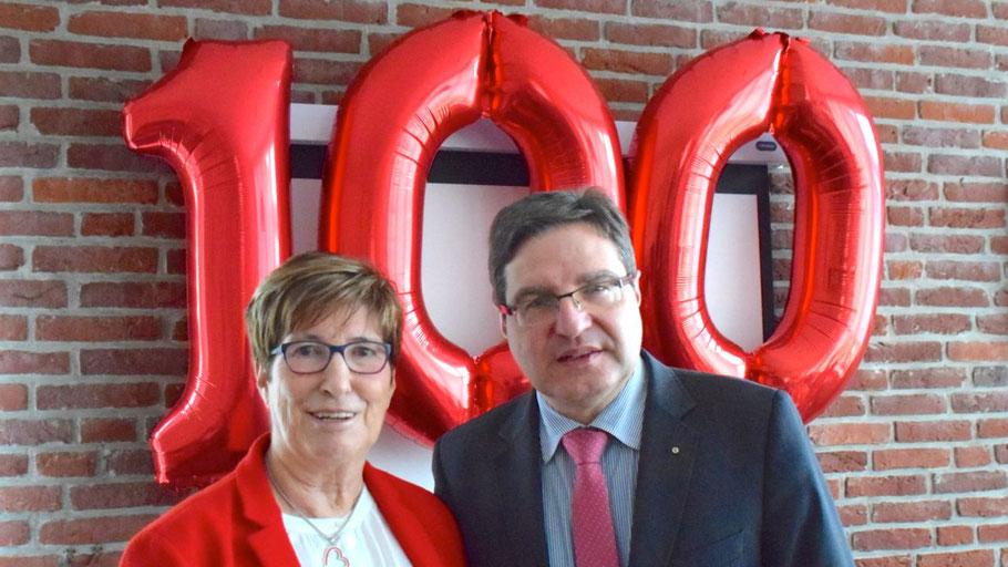 AWO-Vorsitzende Elke Schreiber konnte als Ehrengast Bürgermeister Thomas Köppl begrüßen
