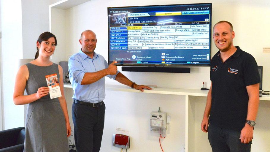 Pressesprecherin Jeannine Müller,  Bereichsleiter Technik Sven Bäumler und Teamleiter Telekommunikation Jan Trepka stellten die Umstellung bei tel.quick vor.