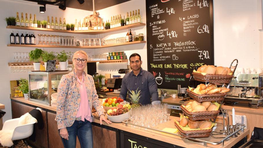 Inhaberin Katja Bär freut sich über den gelungenen Start ihres neuen Fashion-Cafés