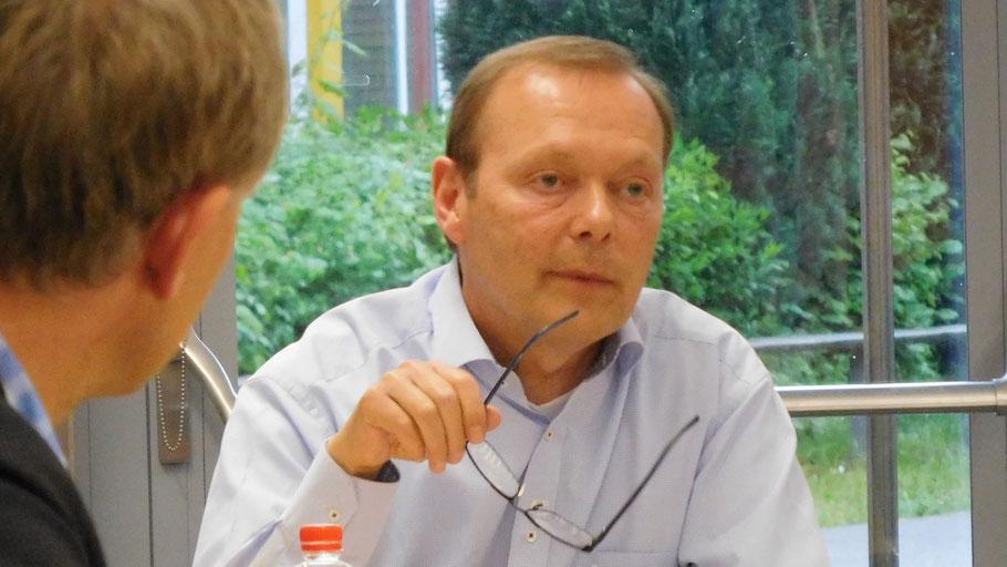 Bernd Weiher stellte für die CDU den Antrag auf Senkung der Sozialstaffel