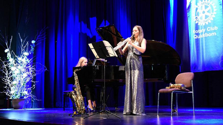 Echo-Preisträgerin Asya Fateya begeisterte mit ihrem Saxophon-Spiel, begleitet von Valeriya Myrosh am Klavier.