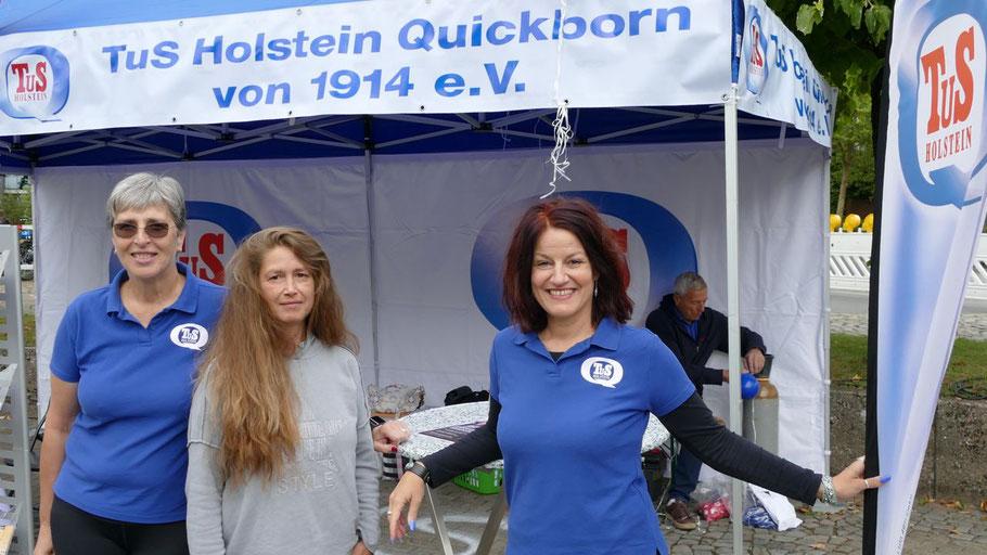Sie repräsentierten mit dem TuS Holstein den größten Sportverein der Stadt: Karin Leutner, Susi Damaskus und Maren Achatz