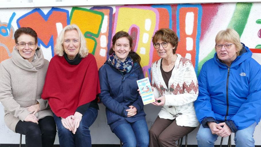 Dorothee Kobler, Helga van Ellen, Verena Gottwald, Birgit Hesse und Ruth Schleper  (v.l.) und weitere Referentinnen leiten die Workshops