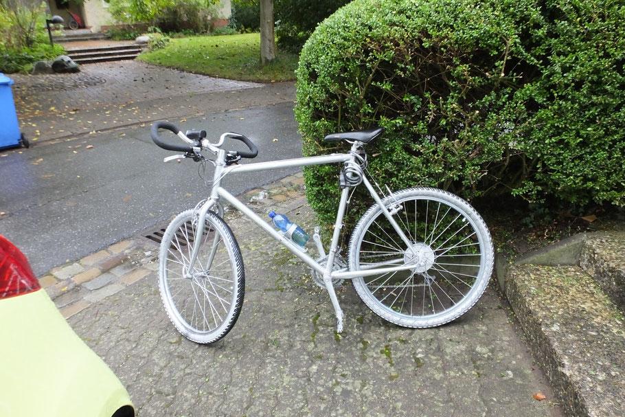 Dieses Fahrrad hinterließ der Räuber.