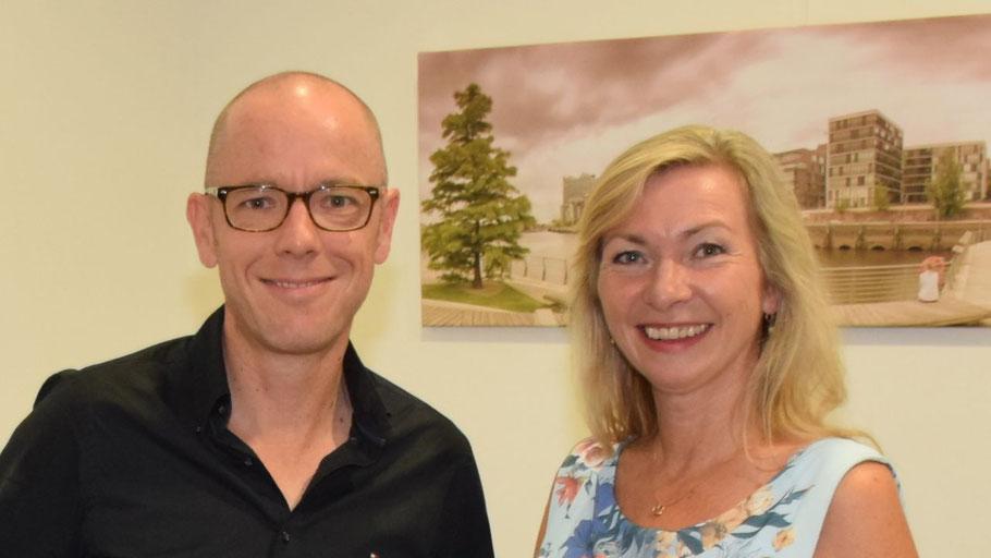 Dr. Thomas Lammeyer und Anette Ehrenstein bieten Telefonberatungen zum Einstieg in die digitale Welt