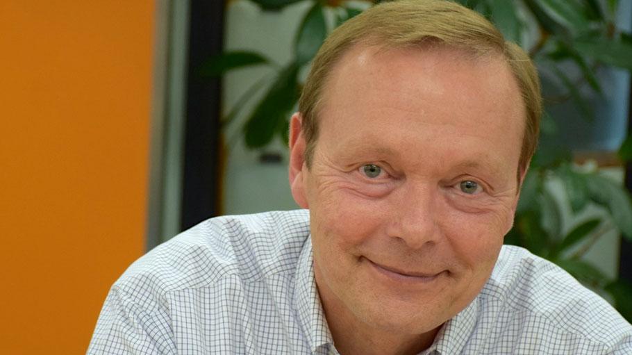 Der CDU-Vorsitzende Bernd Weiher kündigt eine Senkung der Sozialstaffel an