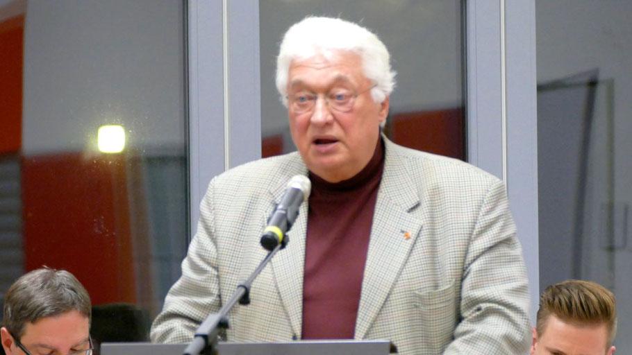 Bernd Kleinhapel, Vorsitzender des Ausschusses für Stadtentwicklung und Umwelt, erläuterte auch die Haltung der CDU-Fraktion