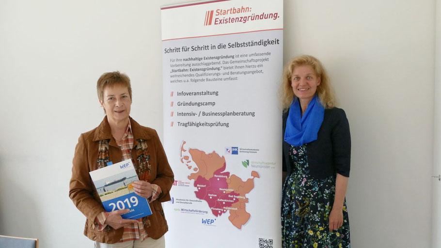 WEP-Projektleiterin Gudrun Kellermann und Quickborns Wirtschaftsförderin Maren Rusch stellten das Gründungscamp vor