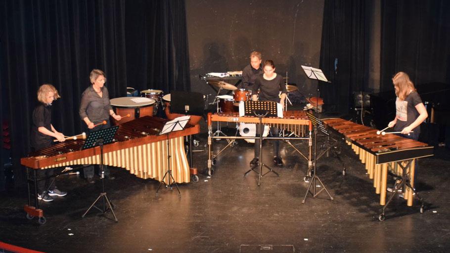 Für einen Höhepunkt sorgte das Mallett-Ensemble mit Jule Wendt, Jannis Demming, Johanna Vierbaum und Bernd Schuster und Malin Sauer am Schlagzeug.