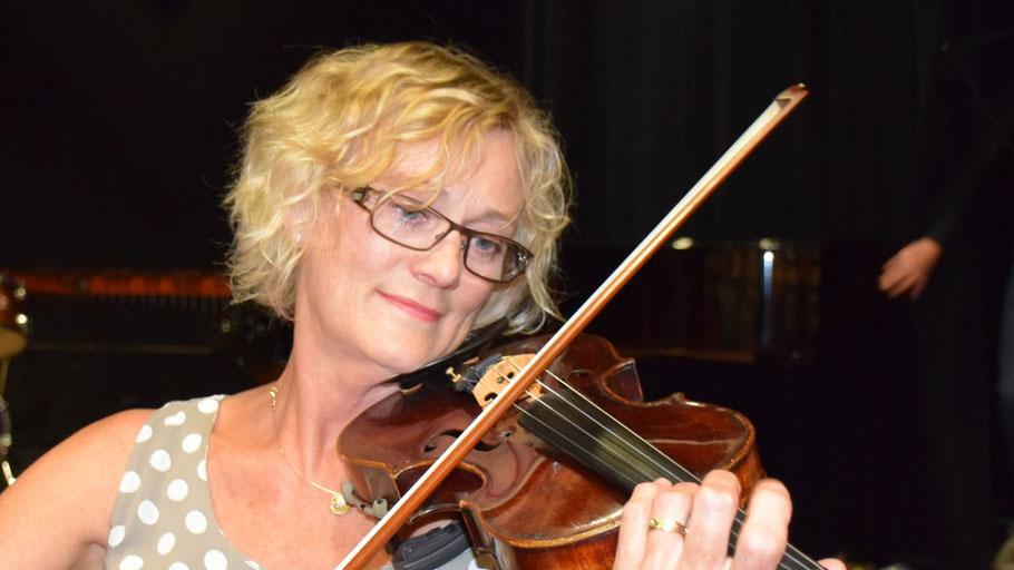 Die Geigendozentin Uta Grehm beendet nach langjähriger Tätigkeit ihren Unterricht an der Musikschule Quickborn.