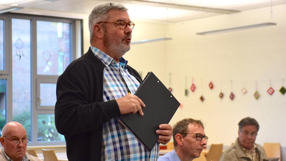 Michael Unger erläuterte in Anwesenheit von Lars Wendt den Antrag des Stadtmarketingvereins.
