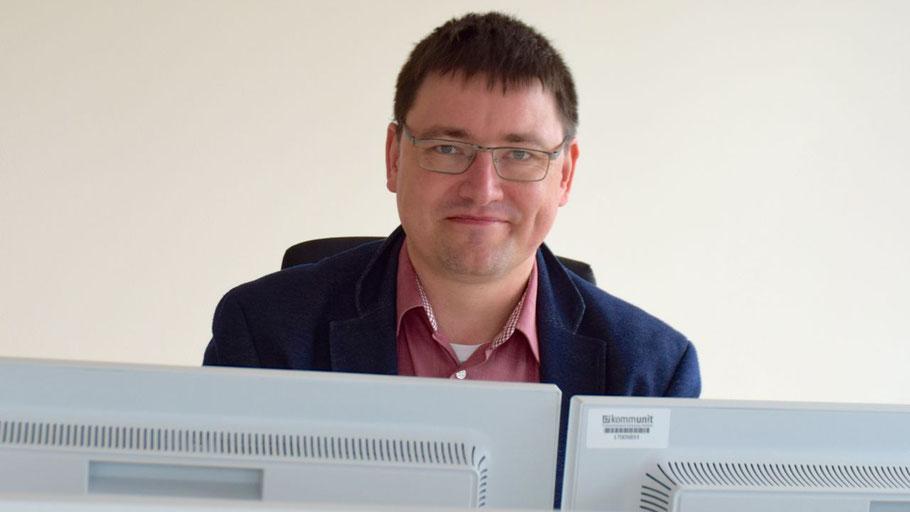 """Erik Grasselt ist als  Fachbereichsleiter """"Recht und Grundsatzangelegenheiten"""" zuständig für die Digitalisierung der Quickborner Verwaltung"""