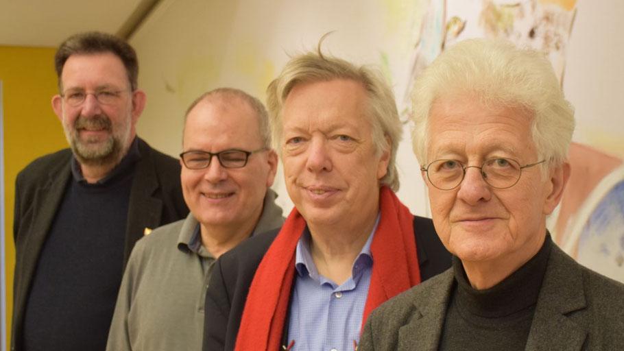Karsten D. Voigt war mit MdB Dr. Ernst-Dieter Rossmann zu Gast bei Dr. Thomas Schnelle (Metaplan) und dem Quickborner SPD-Vorsitzenden Jens-Olaf Nuckel (v.r.).