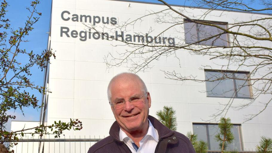 ASG-Geschäftsführer Elmar Süß freut sich auf viele Besucher beim Tag der Offenen Tür des Campus Region Hamburg