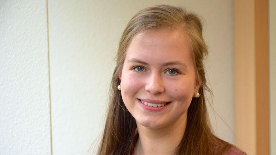 Michelle Lewien konnte  sich über die Verwaltungsabläufe in England informieren