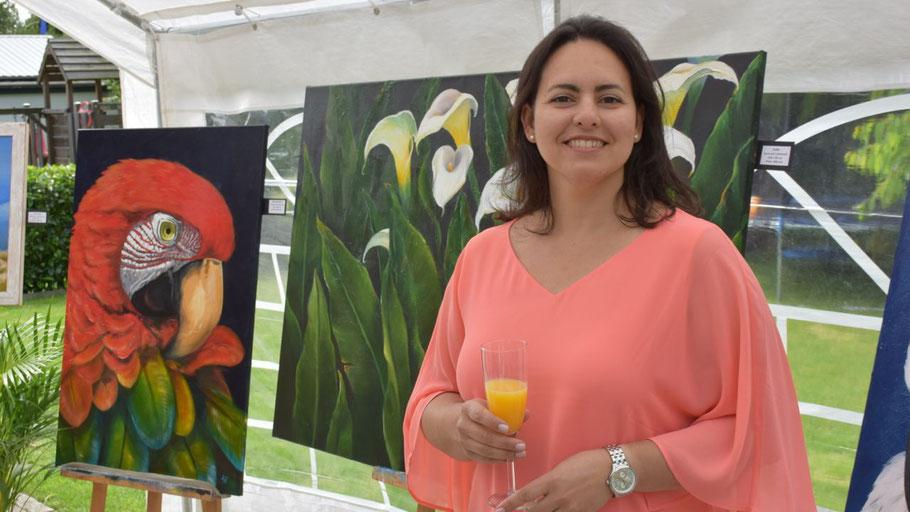 Die Künstlerin Ana Isabel Hernandez präsentierte ihre Werke im Rahmen eines Offenen Ateliers.