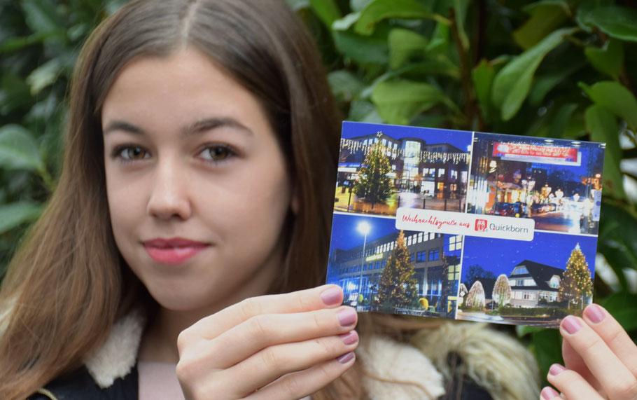 Hannah präsentiert die Quickborner Weihnachtskarte