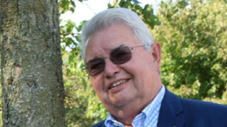 Rotary-Mitglied Rüdiger Lang nimmt Anmeldungen für den Chat entgegen.