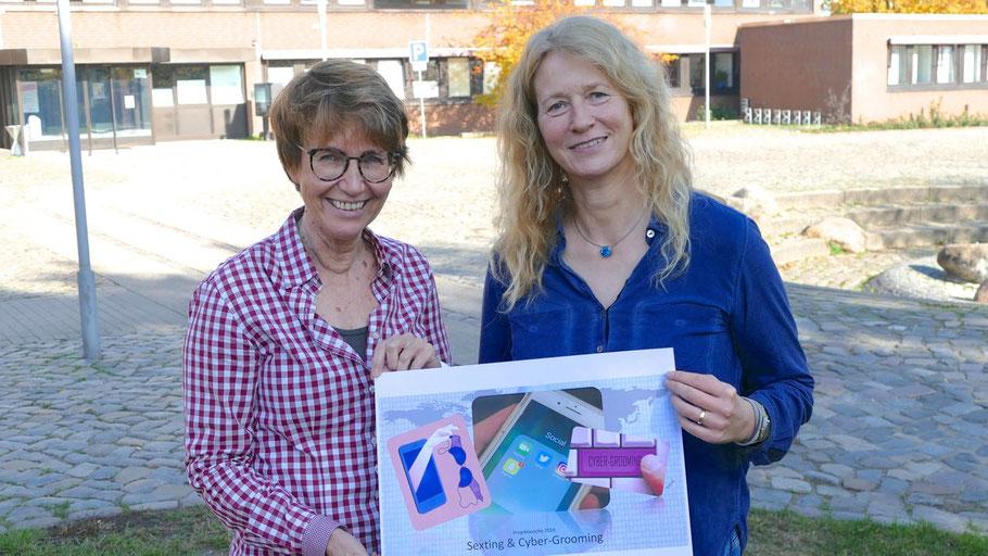 Stadtjugendpflegerin Birgit Hesse und Wendepunkt-Mitarbeiterin Michaela Berbner (v.l.) stellten die Aktion vor
