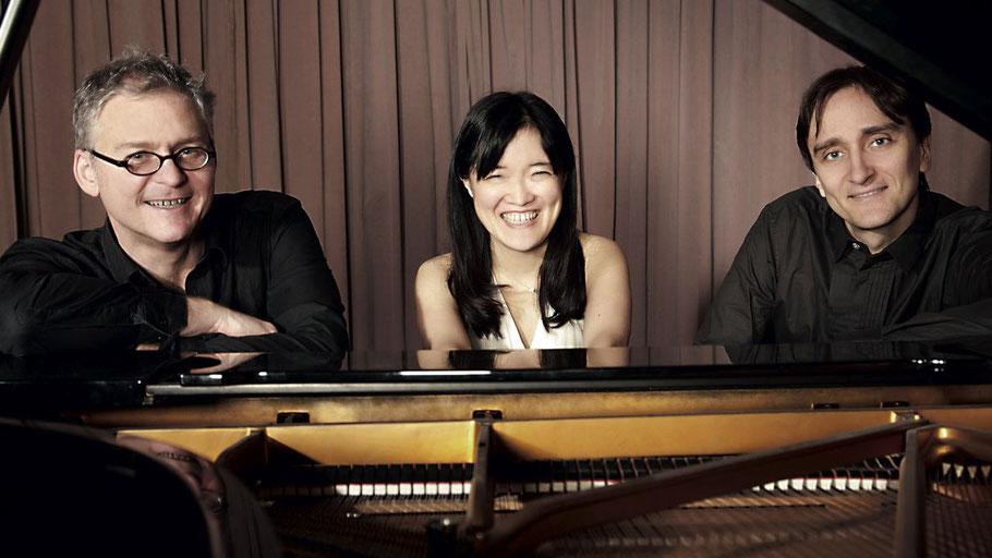 Eberhard Hasenfratz, Mitsuru Shiogai und Vytautas Sondeckis bilden das Hamburg-Trio.